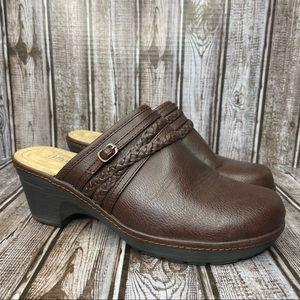 Croft&Barrow Ortholite faux leather clogs size 8.5 wide